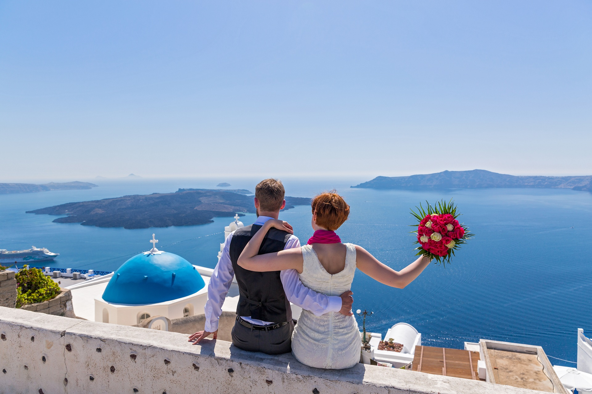 Honeymoon Vacations in Santorini | La Mer Deluxe Hotel & Spa