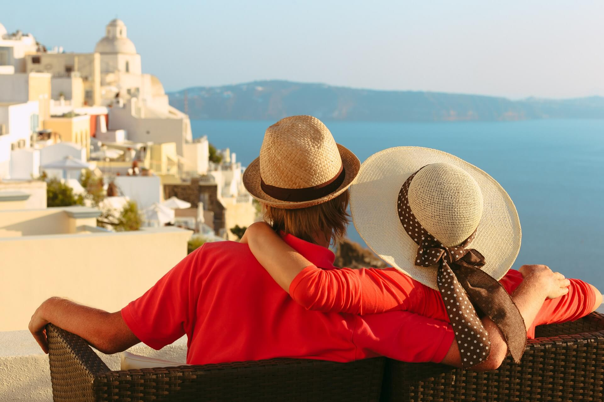 How to prepare properly for your holidays in Santorini